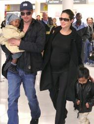 Angelina, Brad y los dos hijos de Angelina