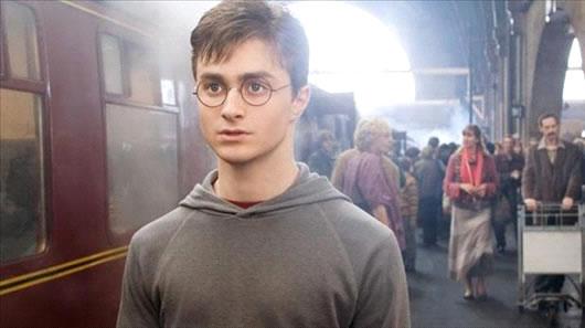 Harry viendo a Voldemort