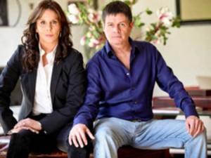 Alejandro Camacho y Rebecca Jones