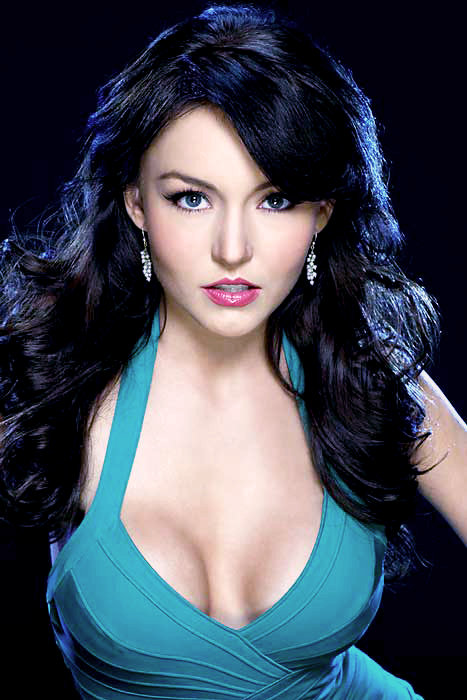 Angelique Boyer Teresa